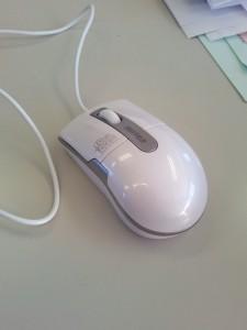 iBUFFALO 有線BlueLEDマウスBSMBU04SWHC