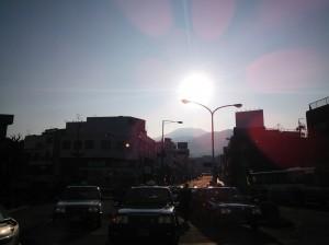 朝の中津川駅前レジストロ通り
