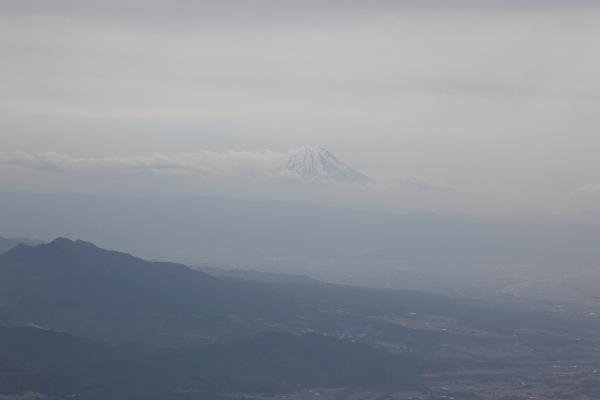 2013年3月赤岳から眺める富士山