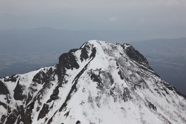 2013年3月赤岳から眺める阿弥陀岳
