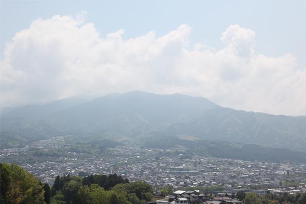 中津川市より眺める恵那山
