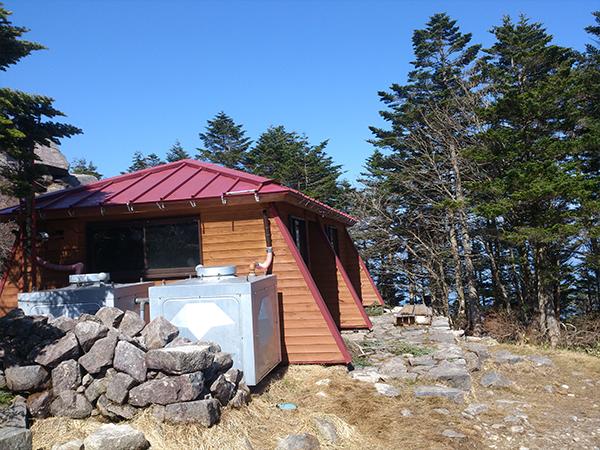 11山頂小屋